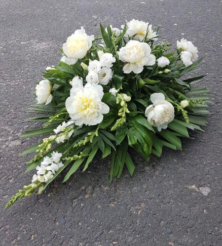 """Wieniec pogrzebowy """"Białe kwiaty"""""""