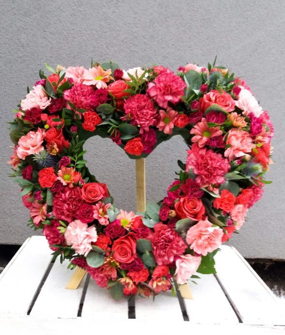 """Wieniec pogrzebowy """"Czerwono - różowe serce"""""""