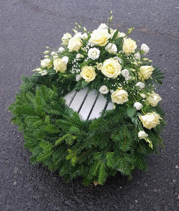 """Wieniec pogrzebowy """"Kremowa róża"""""""