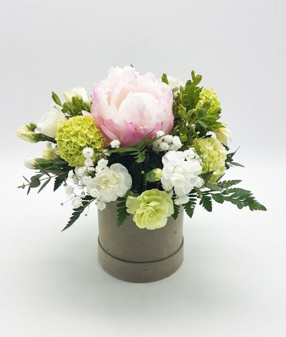 """Box kwiatowy """"Piwonia w beżu mini"""""""
