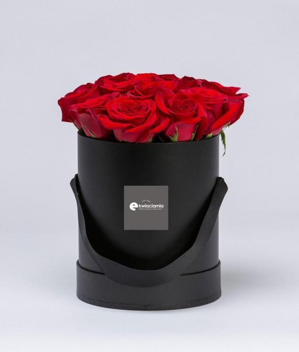 """Czerwone róże w czarnym pudełku """"M"""""""